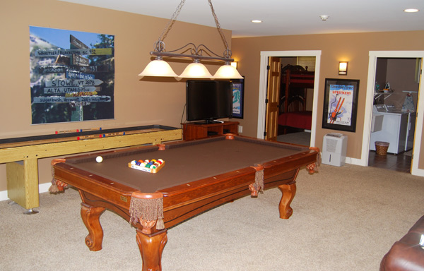 Game Room Area   Sauna, Pool Table, Foosball, Shuffle Board And Quick  Access To Outside Hot Tub. All Covered By A Thick, Rich Carpet.